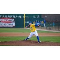 Sioux Falls Canaries pitcher Keaton Steele
