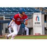 Ben Ramirez of the Tulsa Drillers heads to first