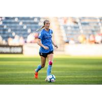Chicago Red Stars midfielder Nikki Stanton