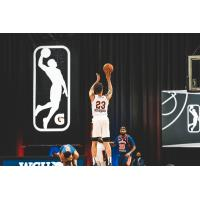 Canton Charge guard-forward Malachi Richardson takes an open jumper vs. the Westchester Knicks